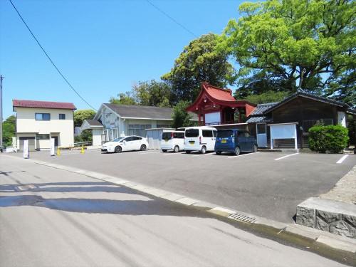 童子丸神社駐車場が臨時駐車場